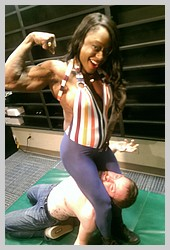 the-amazing-life-of-ebony-fetish-muscle-goddess-ashley-starr (12).jpg